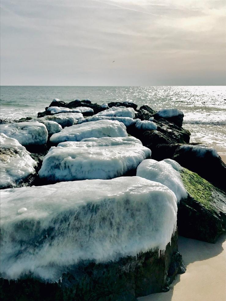 Ice on rocks AB