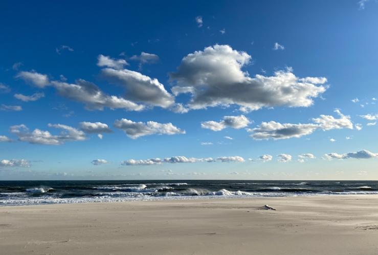Beach Clouds AB